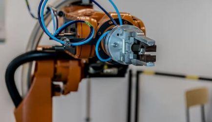 ¿Quieres mejorar tu futuro profesional? Aquí tienes 4 Cursos de Automatismo con Control Programable