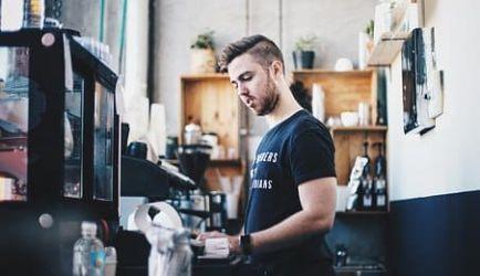 Estudiar el Curso de Cajero: 5 Cursos para crecer en el ámbito profesional