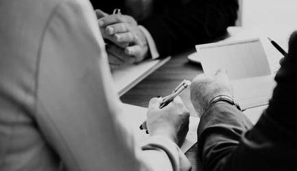 Contabilidad y Finanzas para Directivos: las 5 formaciones a Distancia que más buscan los que quieren titularse