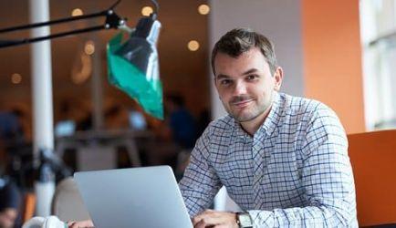 Estudiar para ser Empleado de Oficina a Distancia: 7 Cursos para crecer en el ámbito profesional