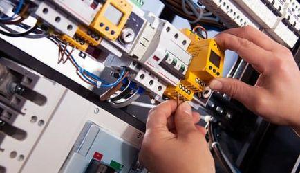 ¿Anhelas estudiar FP Equipos e Instalaciones Electrotécnicas a Distancia? Los 3 mejores Cursos para lograrlo