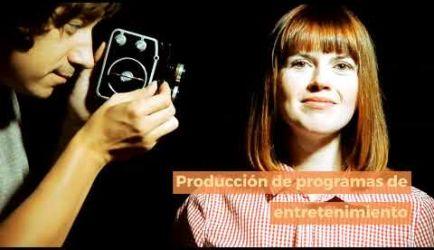 Vídeo de las salidas laborales y el salario que obtendrá un graduado a Distancia de la Formación de Producción de Cine y Televisión