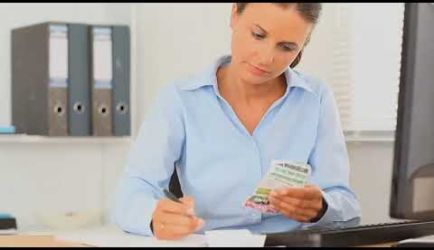Curso a Distancia de Asesoría fiscal y tributaria: vídeo explicativo de los puestos de trabajo que ofrece la formación al titularte
